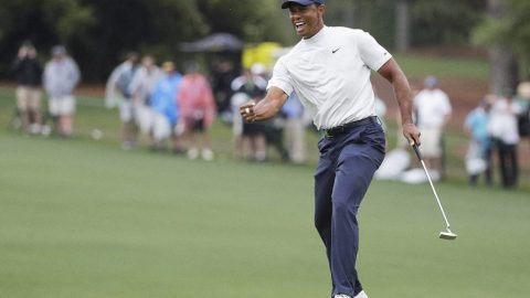 Masters Day 2: Crowded at the top, Tiger lurks