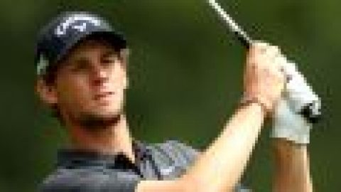 Pieters struggles in home event