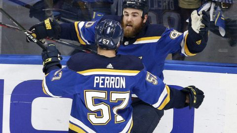 Blues beat Bruins 4-2 to knot Stanley Cup Final at 2-2