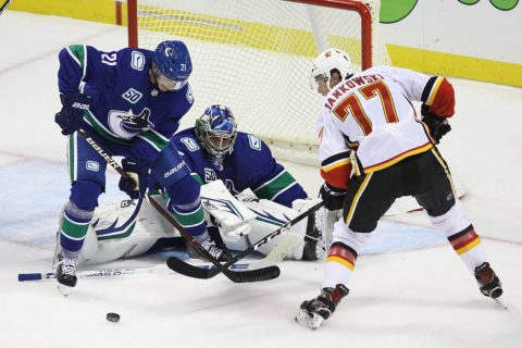 VIDEO: Flames pick up 4-3 exhibition win over Canucks in Victoria