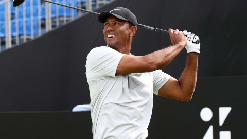 Woods (64) moves into solo lead midway through Zozo Championship