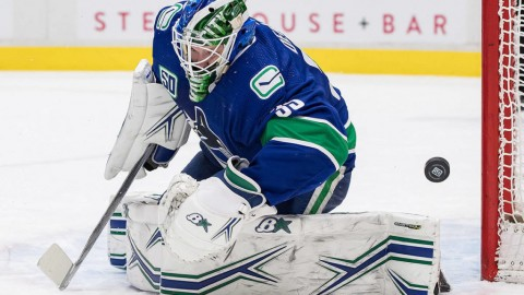 First-place Canucks beat Blues 3-1 for ninth straight home win