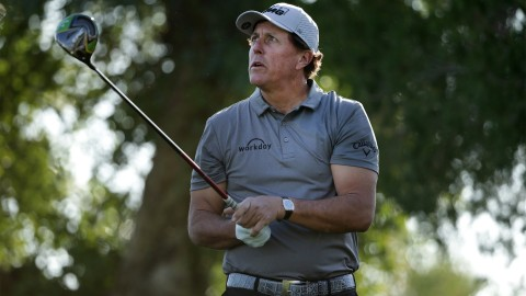 Mickelson scrambles for 70 in first round of new year