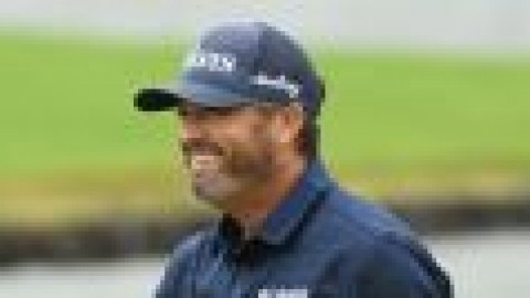 Palmer leads, McIlroy and Woods falter