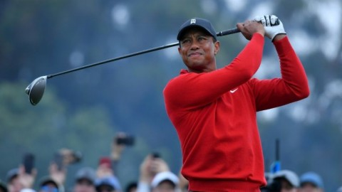 Woods weighs in on golf's distance dilemma