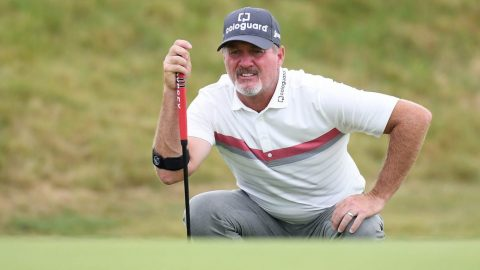 Jerry Kelly falters late but maintains one-shot lead at Senior Players