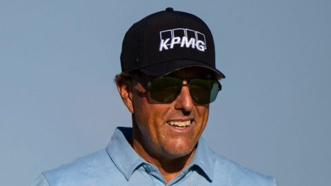 Mickelson four ahead in Missouri