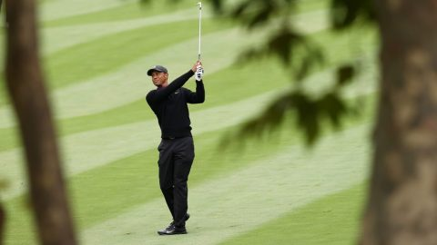 Highlights: Tiger Woods playing par-5s better, goes on birdie run at Zozo