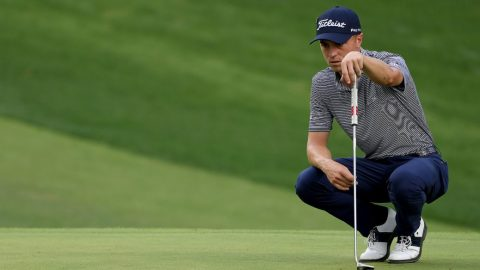 Justin Thomas gets quick putting lesson between rounds Friday at Masters