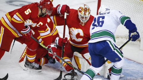 Markstrom's 32-save shutout lifts Flames to 3-0 win over Vancouver Canucks