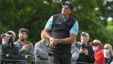 Once again, lack of focus costs Phil Mickelson, who shoots 75 on Friday